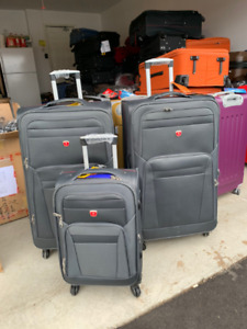 3 pcs soft side Luggage set 31, 28 and 20 inches