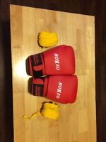 Brand new boXeo boxing gloves (with wrap)