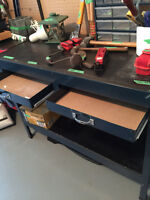 Large tool bench with 2 drawers