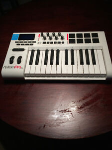 M-Audio Axiom Pro 25 USB MIDI keyboard controller