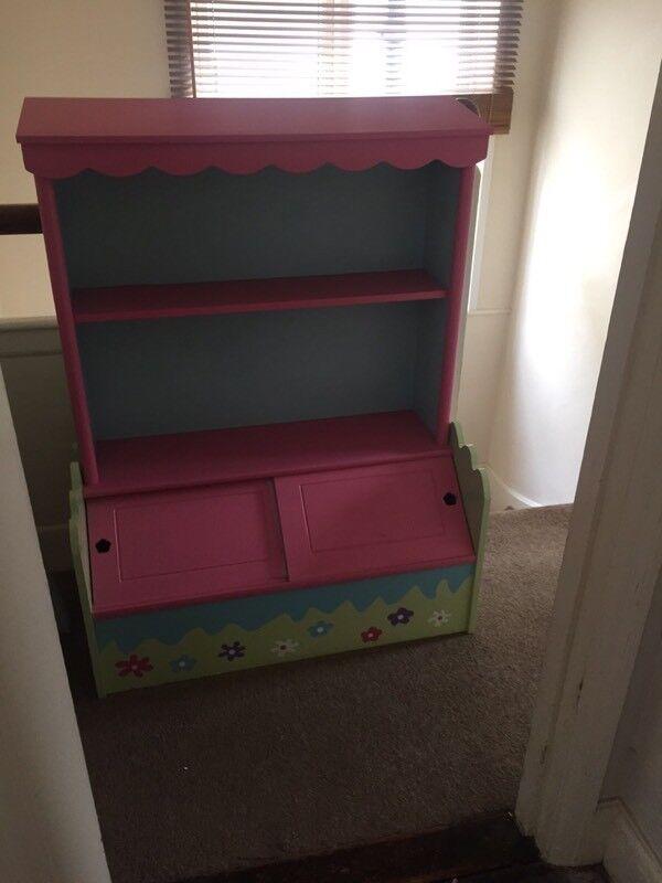 Pink girls bookshelf and storage box