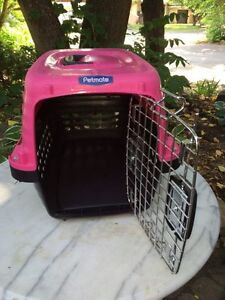 Dog kennel / pet carrier small