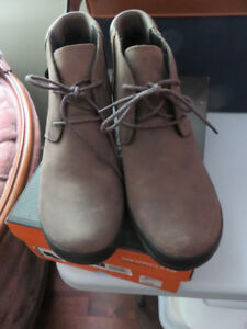 MERRELL SHOES, NEW, SIZE 9-PRICE REDUCED