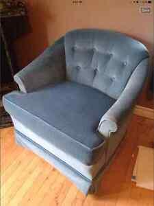 Blue chair Sarnia Sarnia Area image 1