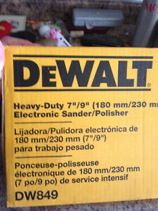 "Dewalt 7"" / 9"" Right Angle Variable speed Polisher/Grinder DW849"