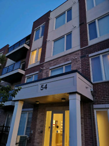 2 Beds and 2 Baths condo for Lease asap