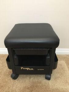 Great condition Pedicure / Esthetician stool