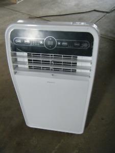 NEW Insignia Portable Air Conditioner - 10000 BTU Retail 399+tax
