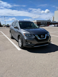 2017 NISSAN ROUGH SV AWD FOR SALE BY OWNER , NO GST ,$22,500 OBO