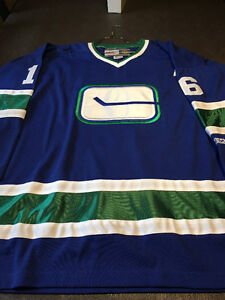 Autographed Trevor Linden Jersey - Retro Style - Mens XL Downtown-West End Greater Vancouver Area image 2