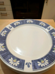 Four Place Setting Dinnerware & Glasses