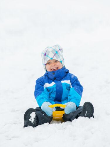 Was Sie beim Kauf von Jacken, Mänteln und Schneeanzügen für Jungs beachten sollten
