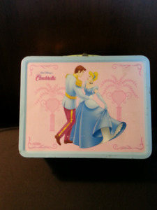 VINTAGE  CINDERELLA  LUNCH  BOX