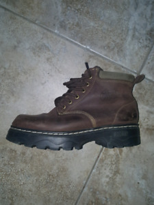 Roots brown boots