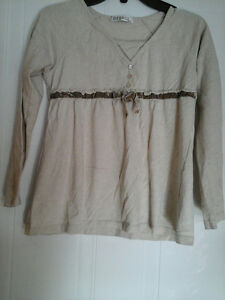 Cute long sleeve top size M 10-12 for girls