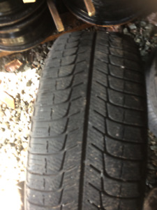 225/45/17  Michelin X-ice  -   2 Tire   -  80% tread left