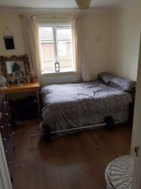 Double Room with own Bathroom, all bills inc.