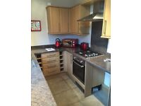 2 bedroom furnished flat - tenant wanted