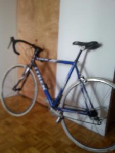 Trek road bike rarely used 800$