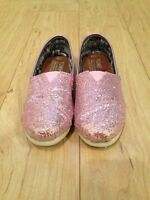 Toms Girls size Y13