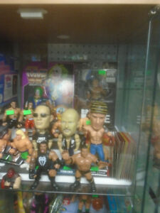 VINTAGE WWF  WRESTLERS WRESTLING FIGURES GLASSES CUPS ETC
