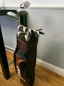 [REDUCED] Full set of Macgregor/Dunlop Golf Clubs & Titliest Golf Bag