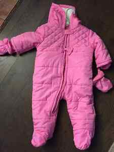 Brand new worn once girls snow suit