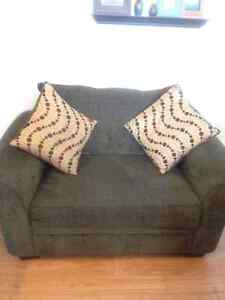 2 seat couch 75.00 Cornwall Ontario image 3
