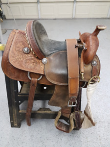 Western Saddle - Crates