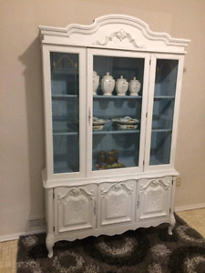 FRENCH PROVINCIAL BUFFET/CABINET