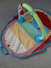 Travel baby play mat