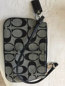 COACH WALLET STYLE PURSE