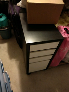File Drawer Unit with Wheels