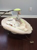 Fisher price vibrating chair / chaise vibrante