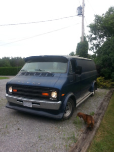 1975 Dodge van, Tradesman 100, 318 engine