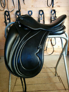 "Dressage saddle 17"" W"