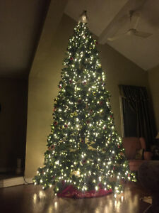 Christmas Tree: Pre-lit like NEW 12 FOOT TREE