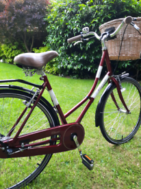 Real classic shopper / City bike ( by halfords )