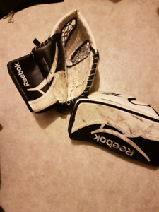 Reebok intermediate blocker and trapper