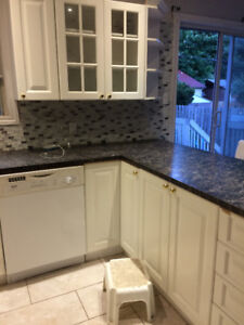 3 bed house for sale in ile Perrot .In ground pool fire place