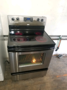 Cuisinière stainless whirlpool stove livraison delivery possible