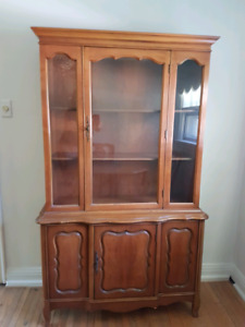 Compact solid wood China Cabinet