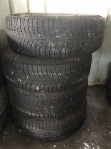 SET OF 4 TIRES MICHELIN X-ICE 225-60R16