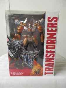 Hasbro Transformers AOE  Grimlock, Voyager class MIB!!!