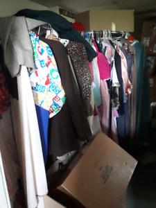 costumes et accessoires divers pour toutes occasions