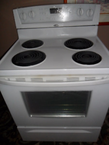 Self-Cleaning CONVECTION stove IN PERFECT CONDITION $275