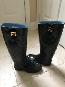 SPERRY TOPSIDER QUILTED RAIN BOOTS
