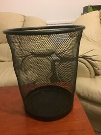 Wire mesh waste paper Bin- £4.0 great condition !!