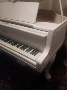 Piano Baby Grand , Zimmermann ,  German Made . High Quality