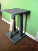 Large Handmade Kitty Kat Scrathing Post With Top Bed